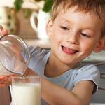 Діти, які п`ють більше молока, з роками залишаються більш рухливими однолітків