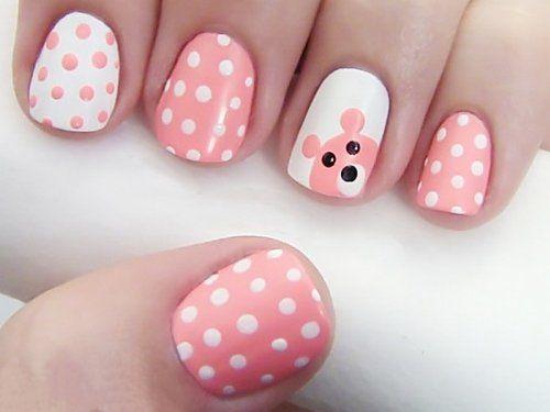 Біло-рожеві «зефірні» горошки і пустотлива мордочка ведмедики - прекрасно для юної модниці!