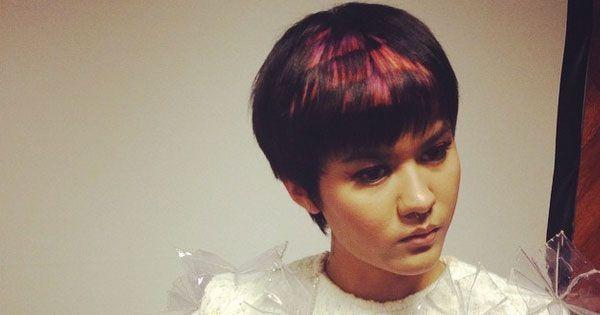 Яскраве і модне піксельний фарбування волосся з фото
