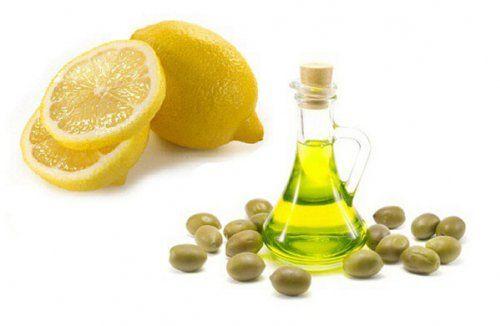 Маска з оливковою олією і лимоном ефективно зволожує шкіру