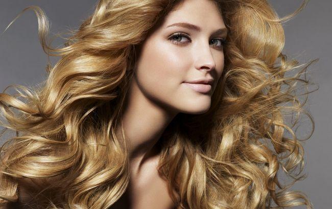 Модний пісочний колір волосся. Фото зірок і фарб