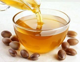 Органова масло, польезние властивості для волосся