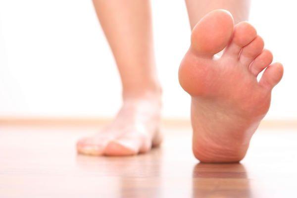 Чому німіють пальці на ногах: основні причини