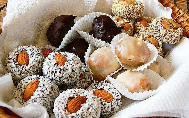 Корисні цукерки із сухофруктів і горіхів своїми руками
